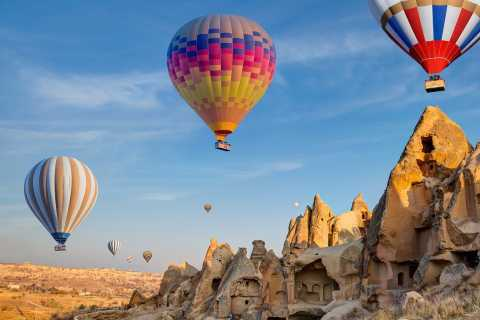 Cappadocia: Sunrise Hot Air Balloon Ride