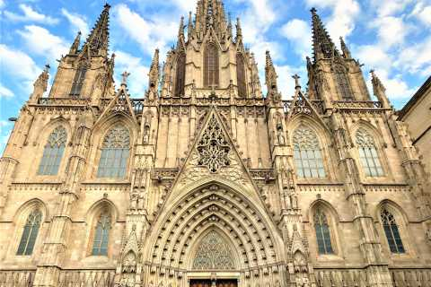 Barcelona: Walking Tour & Complimentary Drink