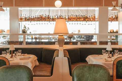 Sydney: Seaplane Flight & Lunch at Bert's Bar & Brasserie