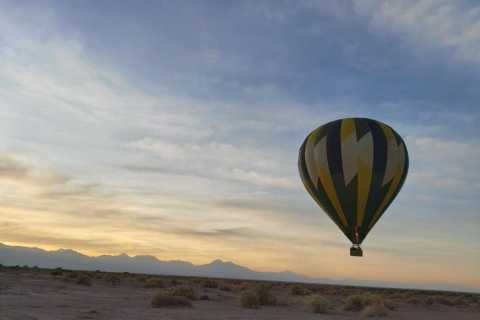 Atacama: San Pedro de Atacama Sunrise Hot Air Balloon Ride