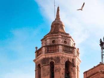 Von Barcelona: Sitges Wein- und Schokoladenwanderung. Foto: GetYourGuide