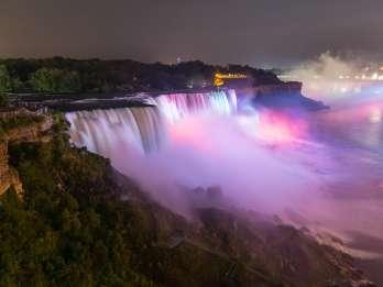 Niagarafälle, USA: Kanadische Beleuchtung Abendtour