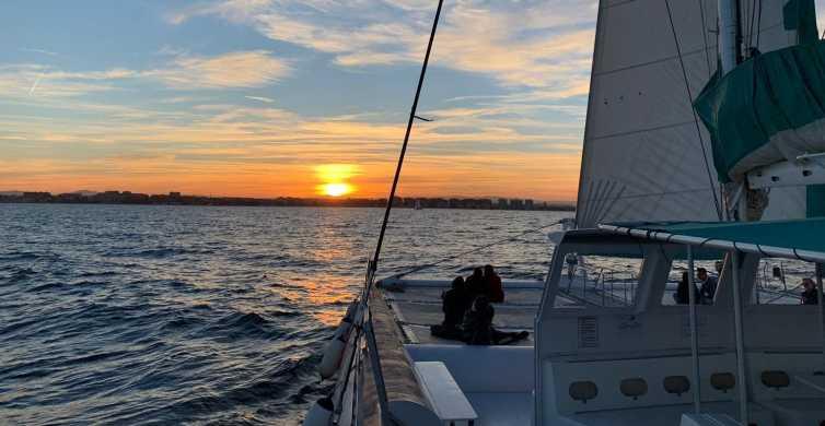 Dénia: Catamarancruise van 90 minuten bij zonsondergang