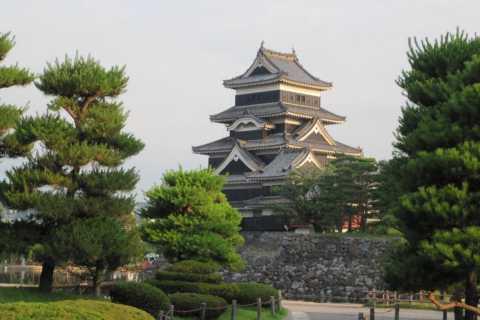 Full-Day Tour: Matsumoto Castle & Kamikochi Alpine Valley