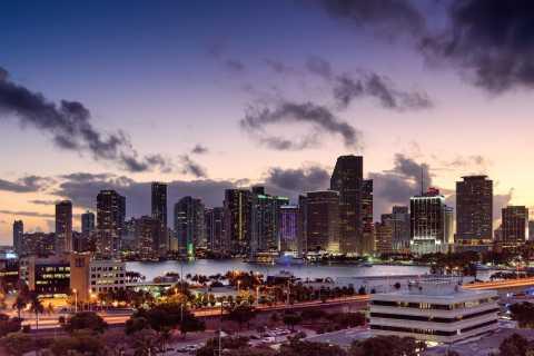 Miami: Romantic Airplane Tour with Champagne