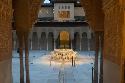 Alhambra: Fast-Track Nasrid Palaces and Generalife Tour
