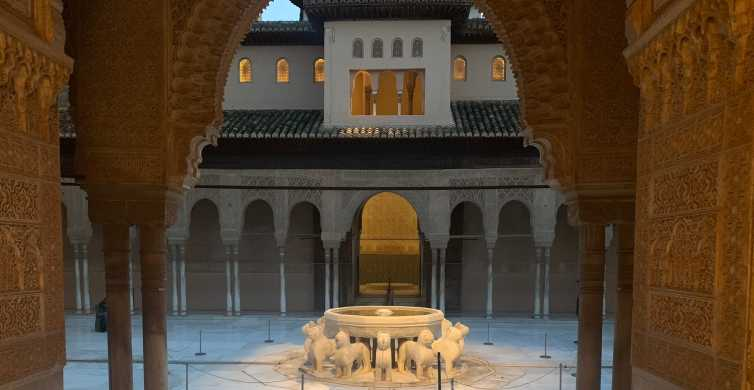 Alhambra: Skip-the-Line Nasrid Palaces and Generalife Tour