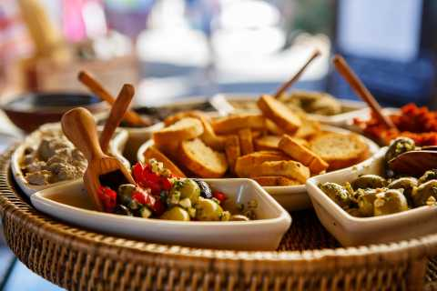Marseille: Walking Food Tour with Tastings