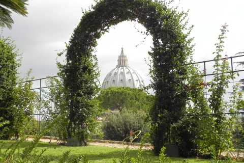 Vaticano: passeio pelos jardins, museus e Capela Sistina