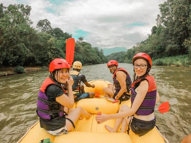 Van Negombo: White Water Rafting Adventure
