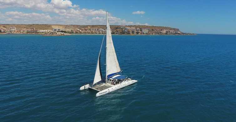 Alicante: catamaran-boottocht van 2 uur bij zonsondergang