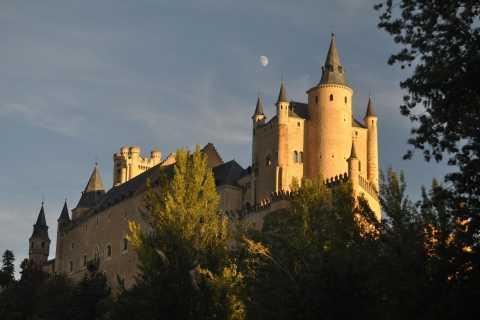 Madrid: Full-Day Segovia and Avila Tour by Luxury Bus