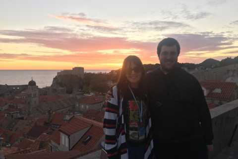 Excursão a pé pelo pôr do sol nas muralhas da cidade de Dubrovnik