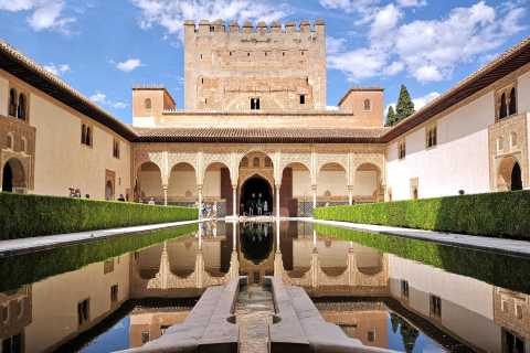 From Seville: Skip-the-Line Alhambra Visit with Audio Guide