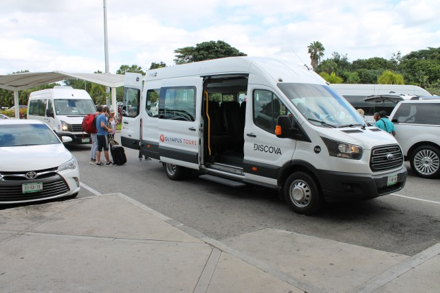 Cancun: Shared Airport Transfer