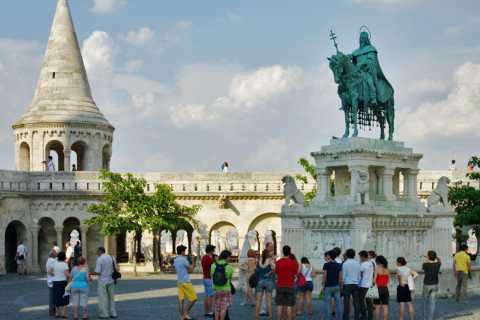 Budapeste: excursão a pé pelo castelo clássico de Buda