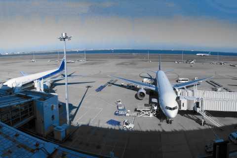 Tokio: Privater Transfer zum Flughafen Haneda