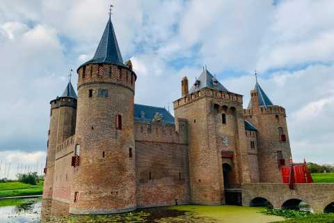 Amsterdam: Guided Muiderslot Castle Tour