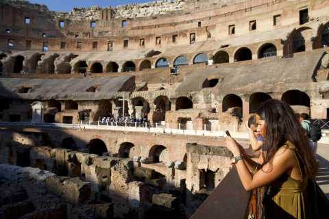 Rome: Colosseum and Vatican Museum Small-Group Tour