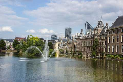 Private Sightseeing Tour from Amsterdam to The Hague & Delft