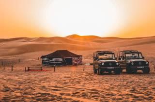 Dubai: Wüstensafari auf einem 1980er Mercedes