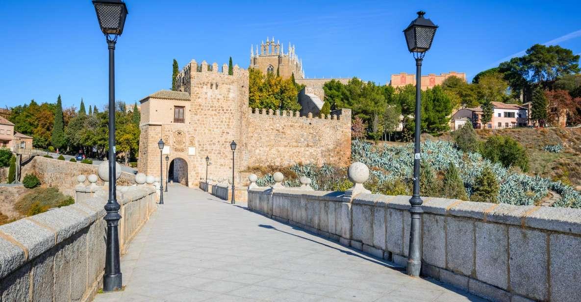 Desde Madrid: tour a Toledo, Segovia y el Alcázar