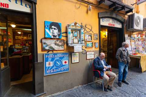Naples: Old Town Small-Group Walking Tour
