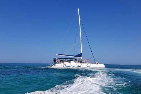 Varadero: Catamaran Cruise to Cayo Blanco with Dolphins