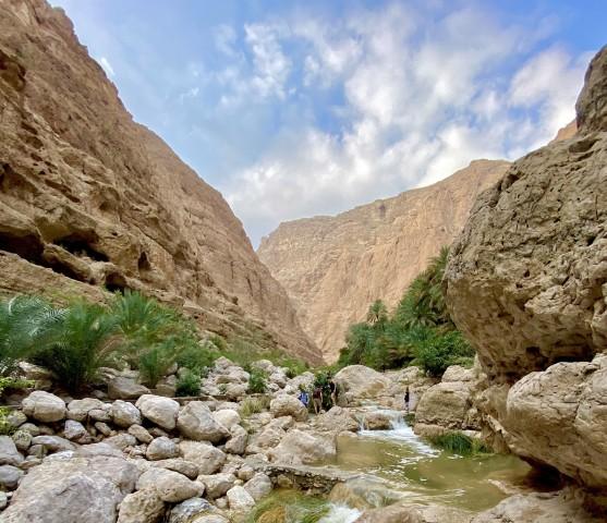 Muscat: Wadi Shab en Bimmah Sinkhole Privétour van een hele dag