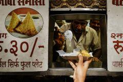 Mumbai: rua escondida come excursão de trem