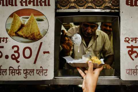 Mumbai: Hidden Street Eats Tour by Train