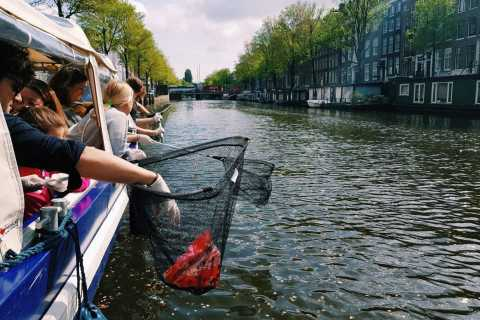Amsterdam: Canal Plastic Fishing Cruise with Breakfast