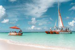 Noord: excursão de catamarã e snorkeling de meio dia