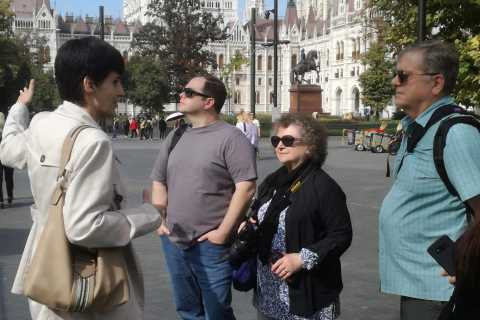 Budapest: Downtown Pest 3-Hour Historical Walking Tour