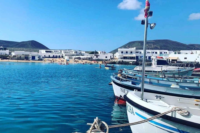 Lanzarote: Ticket für die Fähre nach La Graciosa mit WLAN