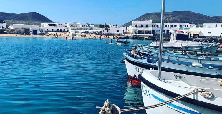 Lanzarote: Färja turbiljett till La Graciosa med Wi-Fi