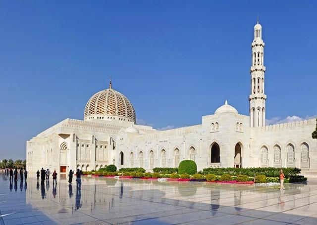 Muscat: stadstour van een hele dag met cruise bij zonsondergang