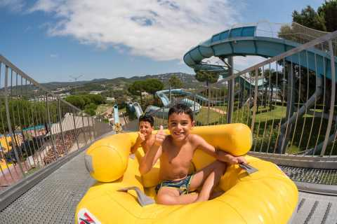 Costa Brava: Water World Aquatic Park & Optional Transfer