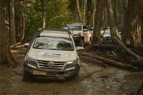 Ushuaia: Off-Road 4X4 Lakes Tour