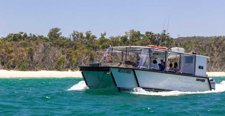 Whitsundays Islands: Private Catamaran (24 People Max)