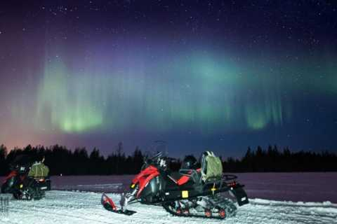 Rovaniemi Snowmobiling: 3-Hour Northern Lights Safari