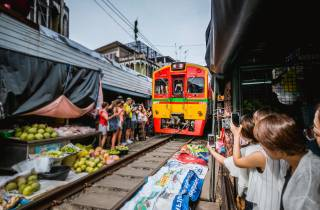 Ab Bangkok: Damnoen Saduak Markt & Mae Klong Zugmarkt