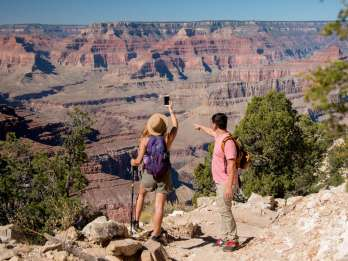 Aus Tusayan: Hermits Rest Hike & Jeep Tour durch den Grand Canyon