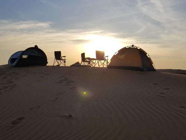 Van Muscat: Private Desert Safari met Camping Overnight