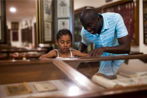 DC: African American History Museum Multilingual Family Tour