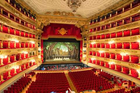 Milan: La Scala Theatre Guided Experience