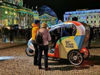 Berlin: Festival of Lights - LightSeeing-Tour im Fahrradtaxi