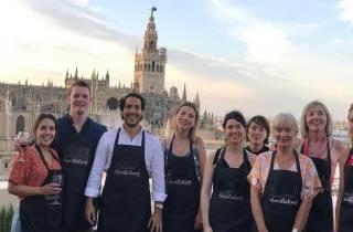 Sevilla: Lernen Sie, Paella mit Blick auf die Kathedrale zu kochen