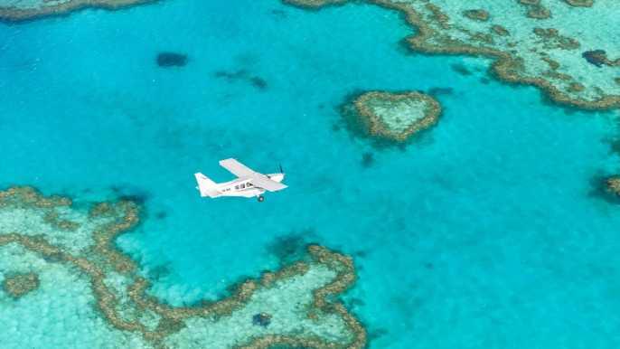 Whitsundays: tour en barco con esnórquel y vuelo panorámico