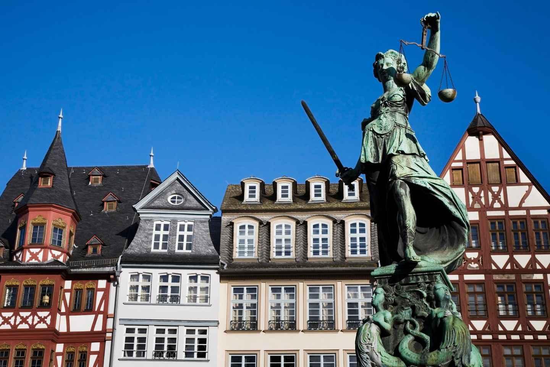 Frankfurt: Old Town Wonders Exploration Game und Tour